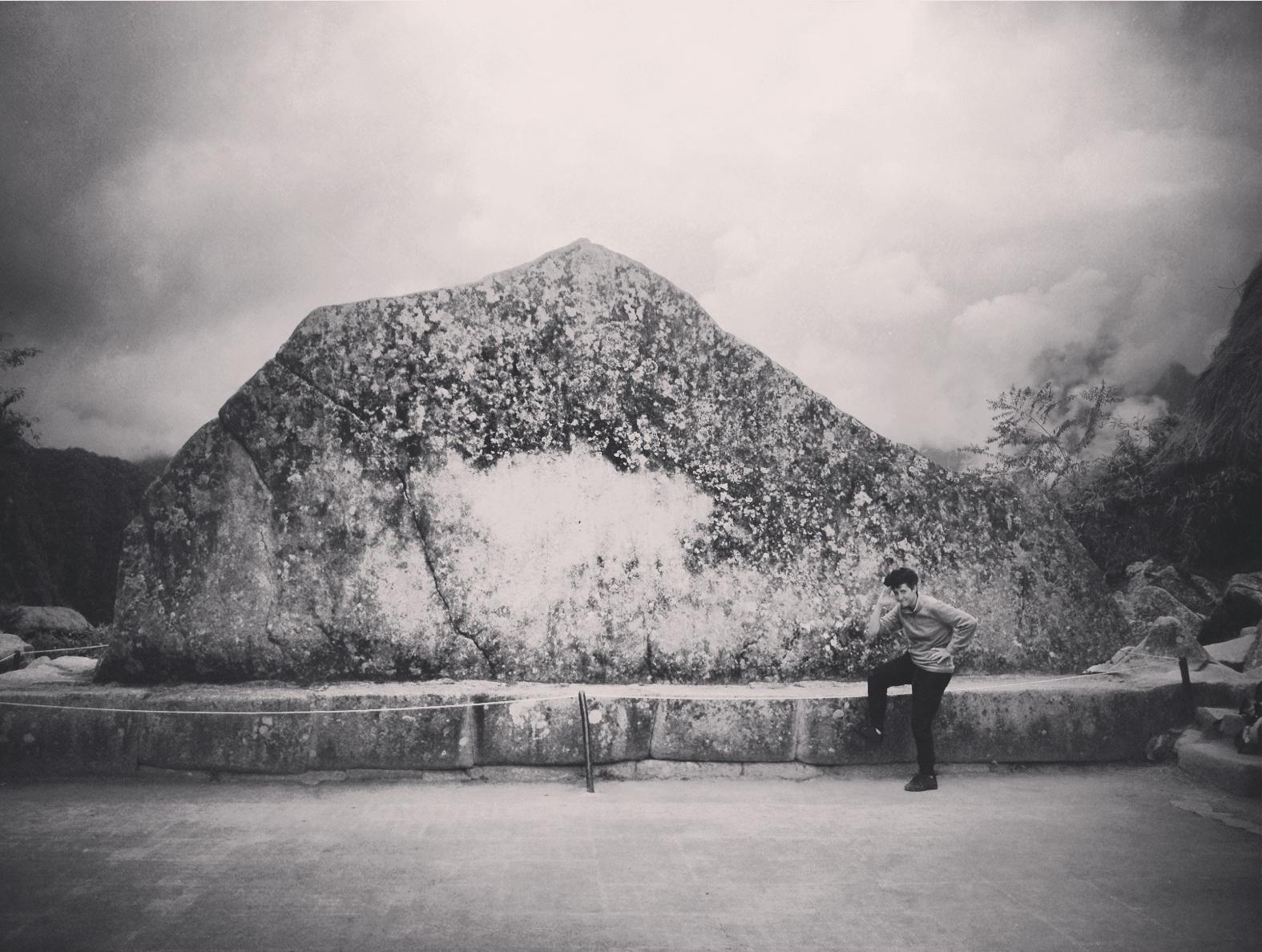 Peru- Machu-Pichu- piedra- ritual-Sonsoles Lozano