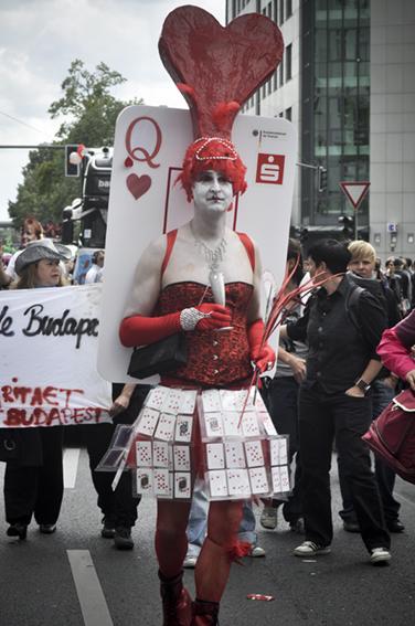 Gay parade_ Reina de corazonesweb