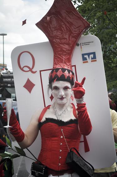 Gay parade_ Reina de rombosweb
