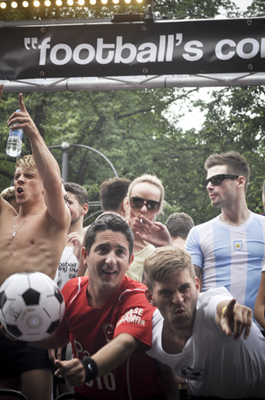 Gay parade_Footballweb