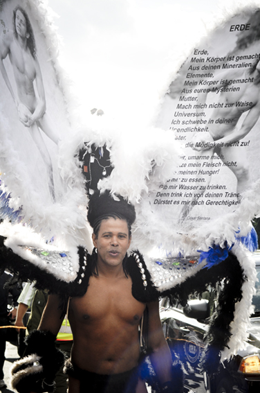 Gay parade_Mega Angelweb